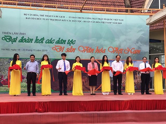 """Triển lãm ảnh """"Đại đoàn kết các dân tộc - Di sản văn hóa Việt Nam"""""""