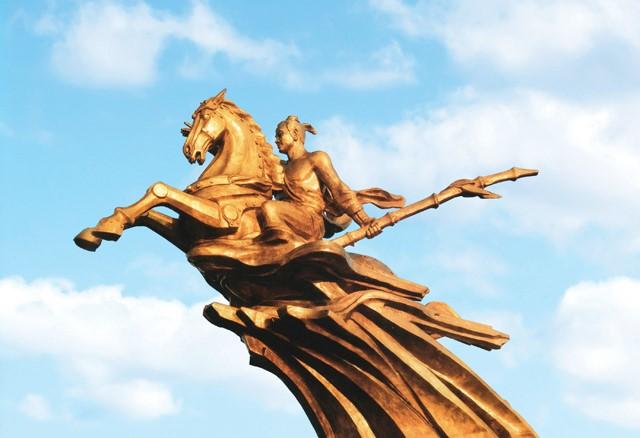 Quản lý công trình tượng đài, phù điêu, tranh hoành tráng thực trạng và giải pháp