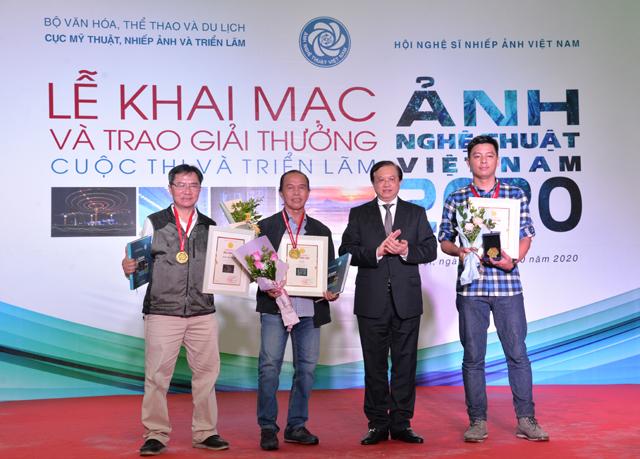 Lễ Khai mạc và Trao giải thưởng Cuộc thi và Triển lãm Ảnh nghệ thuật Việt Nam 2020