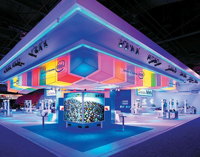 Khai thác ứng dụng khoa học và công nghệ trong nghệ thuật trưng bày triển lãm hiện đại