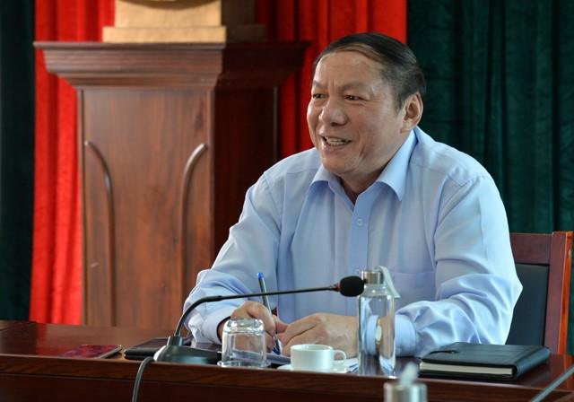 Thứ trưởng Nguyễn Văn Hùng làm việc với Cục Mỹ thuật, Nhiếp ảnh và Triển lãm về công nghiệp văn hóa